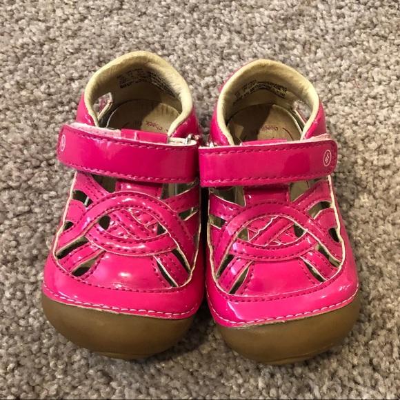 6c8b3ac0d397 Toddler Girls Stride Rite sandals SIZE 4.5 W! M 5c72f17a534ef9446464957b